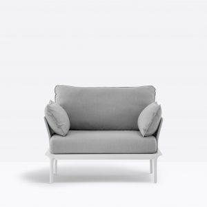 Kültéri padok és lounge bútorok